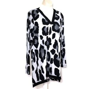 Susan Graver Tunic Top Blouse Black White Cheetah